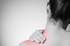 Женщина с болью в спине стоковое изображение rf