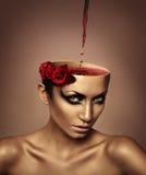 Женщина с вином в голове Стоковые Изображения RF