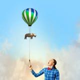 Женщина с воздушным шаром Стоковое Изображение