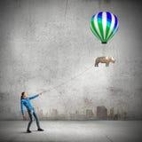 Женщина с воздушным шаром Стоковое фото RF