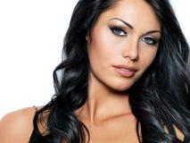 Женщина с волосами красотки длинними стоковое фото rf