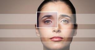 женщина с деталью и линиями коробки фокуса глаза Стоковое Фото