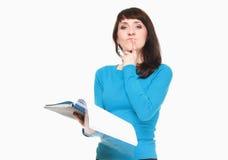 Женщина с документами на белой предпосылке Стоковые Фотографии RF