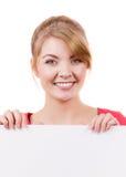 Женщина с знаком знамени доски пустого представления Стоковое Изображение