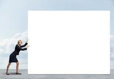 Женщина с знаменем Стоковые Изображения