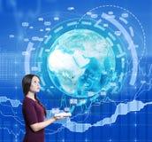 Женщина с значками изображения и электронной почты земли Стоковая Фотография