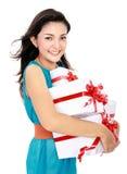 Женщина с коробкой подарка Стоковые Изображения RF