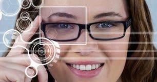 женщина с коробкой фокуса глаза над стеклами и деталью и линиями интерфейсом Стоковые Изображения