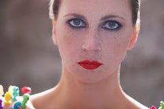 Женщина с красной губной помадой стоковое изображение
