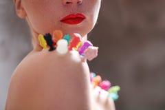 Женщина с красной губной помадой стоковое фото