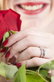 Женщина с красным roses.GN стоковые изображения rf