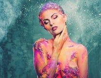 Женщина с красочным искусством тела Стоковые Изображения RF