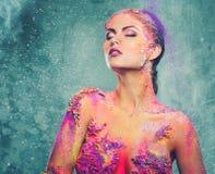 Женщина с красочным искусством тела Стоковые Фотографии RF
