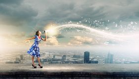 Женщина с мегафоном Стоковое Изображение