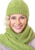 Женщина с одеждой зимы Стоковое Изображение RF