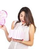 Женщина с подарком Стоковые Фотографии RF