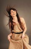Женщина с порхая волосами стоковые изображения rf