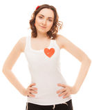 Женщина с прикалыванным красным бумажным сердцем Стоковое Изображение RF