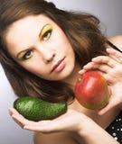 Женщина с плодоовощами Стоковое Изображение RF