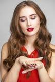 женщина с ручкой Красивейшая женщина брюнет Стоковая Фотография RF