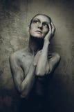 Женщина с серым тел-искусством Стоковое Изображение