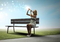 Женщина с скрипкой Стоковые Фото