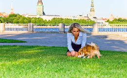 Женщина с собакой стоковое фото rf
