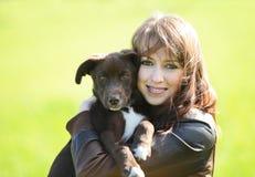 Женщина с собакой Стоковое Изображение RF