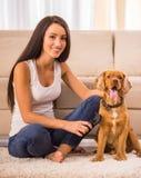 Женщина с собакой стоковое фото