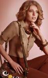Женщина с составом и драгоценными украшениями Стоковое Изображение RF