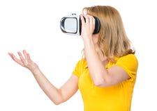 Женщина с стеклами VR Стоковые Изображения RF