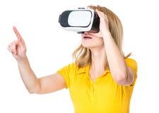 Женщина с стеклами VR Стоковое Изображение RF