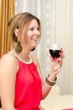 Женщина с стеклом красного вина Стоковое фото RF
