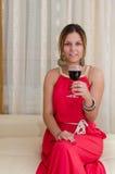 Женщина с стеклом красного вина Стоковые Фото