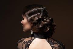 Женщина с стилем причёсок стоковая фотография