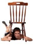 Женщина с стулом Стоковые Фото