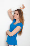 Женщина с сломленной рукой Стоковое Изображение RF