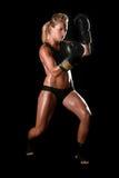 Женщина с шестерней бокса стоковые изображения