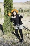 Женщина с шляпой хеллоуина Стоковое Фото