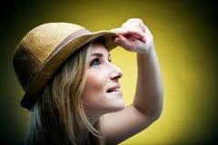 Женщина с шляпой Стоковые Фото