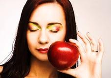 Женщина с Apple Стоковая Фотография RF