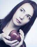 Женщина с Apple стоковое изображение