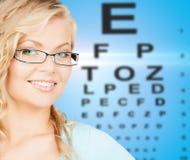 Женщина с eyeglasses стоковые фото