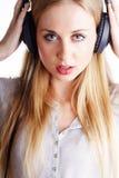 Женщина с headhones Стоковые Фотографии RF