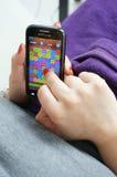 Женщина с smartphone Стоковые Фото