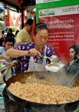 женщина Таиланда сервировки еды bangkok Стоковое Изображение RF