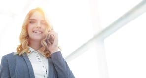женщина телефона дела успешная говоря Стоковые Изображения RF