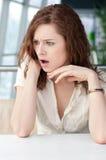 женщина телефона кафа дела эмоциональная Стоковые Изображения RF