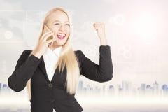 женщина телефона дела успешная говоря Стоковое фото RF