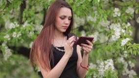 женщина телефона видеоматериал